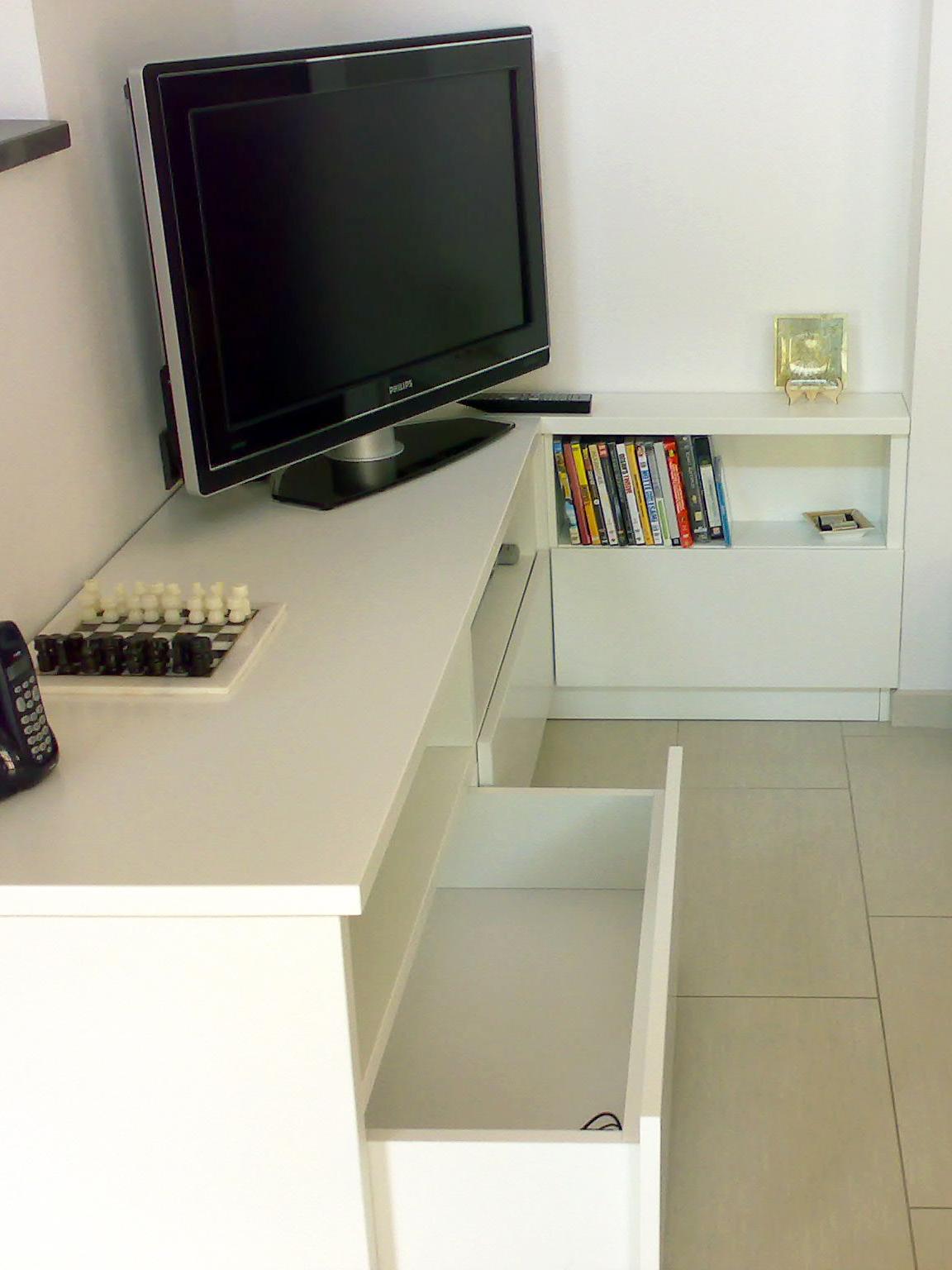 Mobile Tv Con Camino mobile per tv con vani e cassetti - falegnameria bastia
