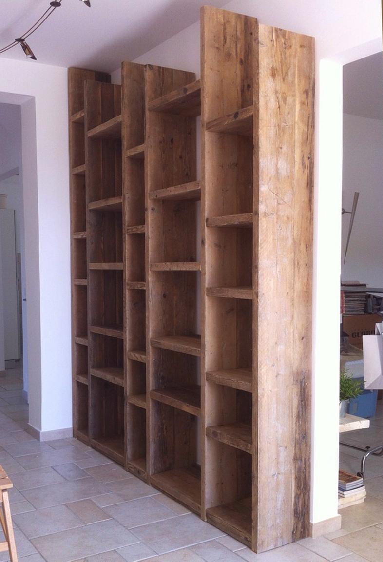 Libreria in legno di recupero